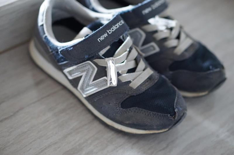 靴の名前つけ、直接書きたくない人へ|ペンとリボン(紐)だけで