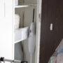 100均グッズで隙間を活用!我が家のマキタコードレス掃除機の収納方法と、専用スタンド